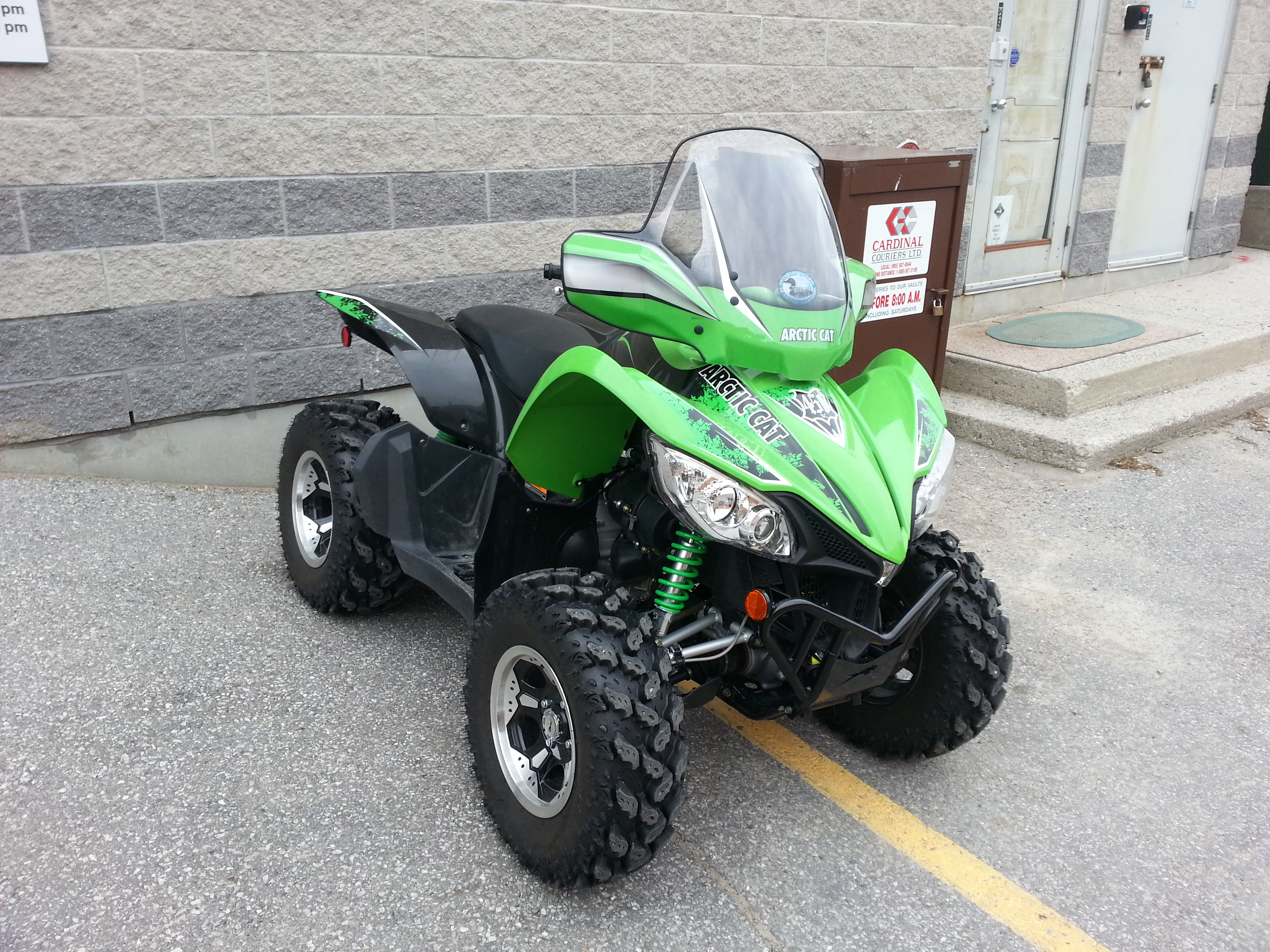 2011 Arctic Cat 450 4 Wheel Drive Electronic Fuel Injection 250 km's (30 hrs) c/w Fairing & Stock Tires $5499